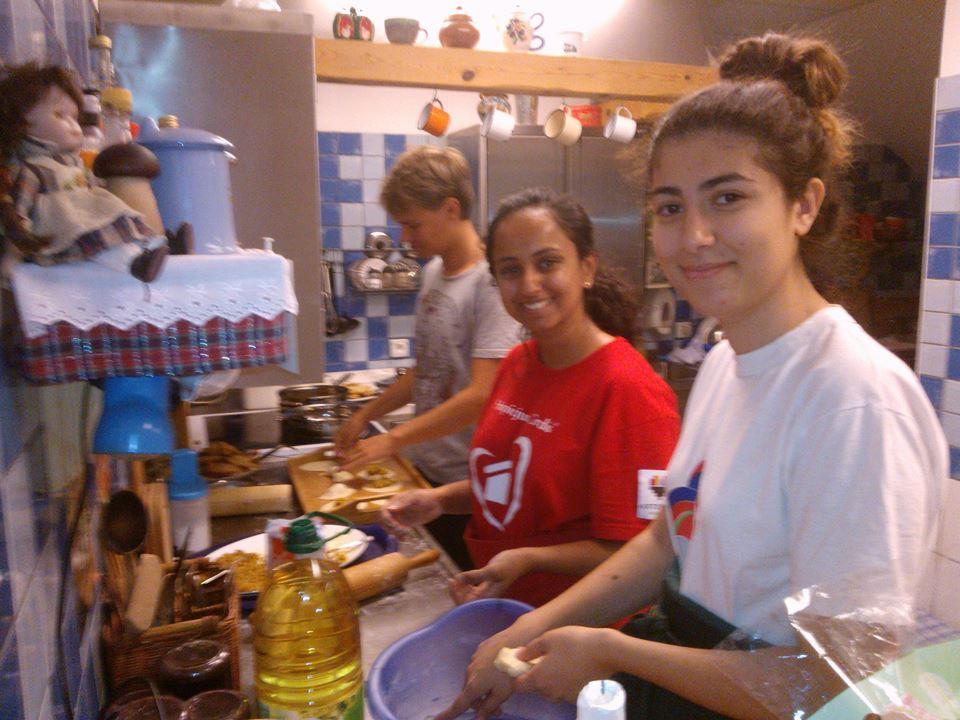 Kuchnie Świata – czyli wolontariusze gotują :-)